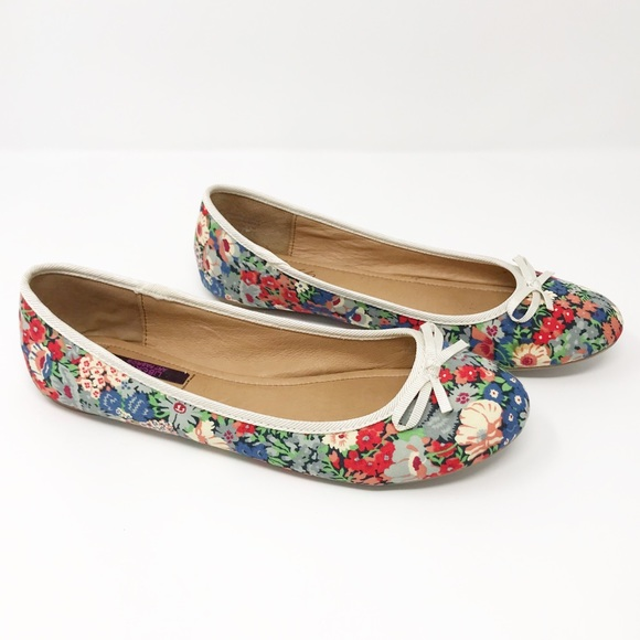 Lord Taylor Shoes Lord Taylor Liberty Art Fabric Floral Flats 8 Poshmark